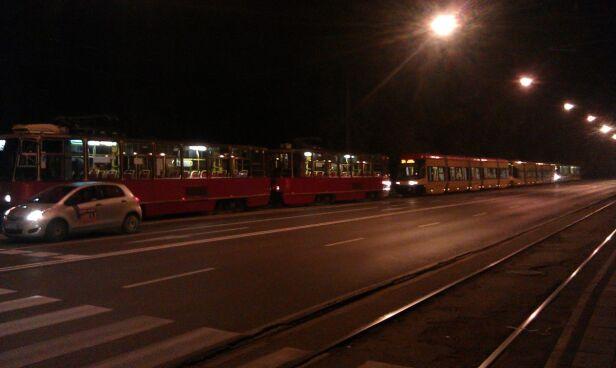 Zepstuy tramwaj linii 9 Tomasz Zieliński/ tvnwarszawa.pl
