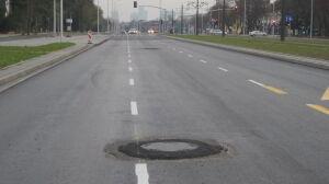 """Fuszerka na Wołoskiej? """"Zabrakło nam asfaltu"""""""