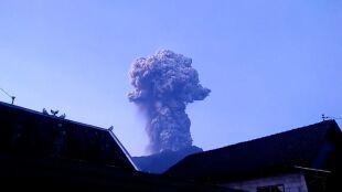 Wybuchł Merapi. Wyrzucił pył na wysokość sześciu kilometrów