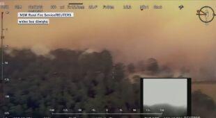 Zdjęcia z samolotu przedstawiające pożary w Australii