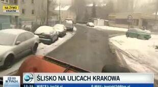 Na krakowskich drogach czarny lód (TVN24)