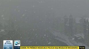 Zima wróciła. Śnieg i deszcz ze śniegiem w całym kraju (TVN24)